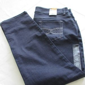 NWT - LEE Straight Leg jeans - sz 18W M - MSRP $54